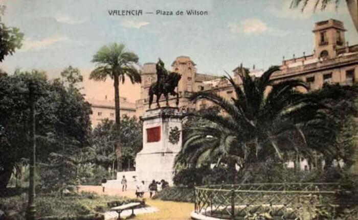 Plaza Wilson - Plaza de Alfonso el Magnánimo